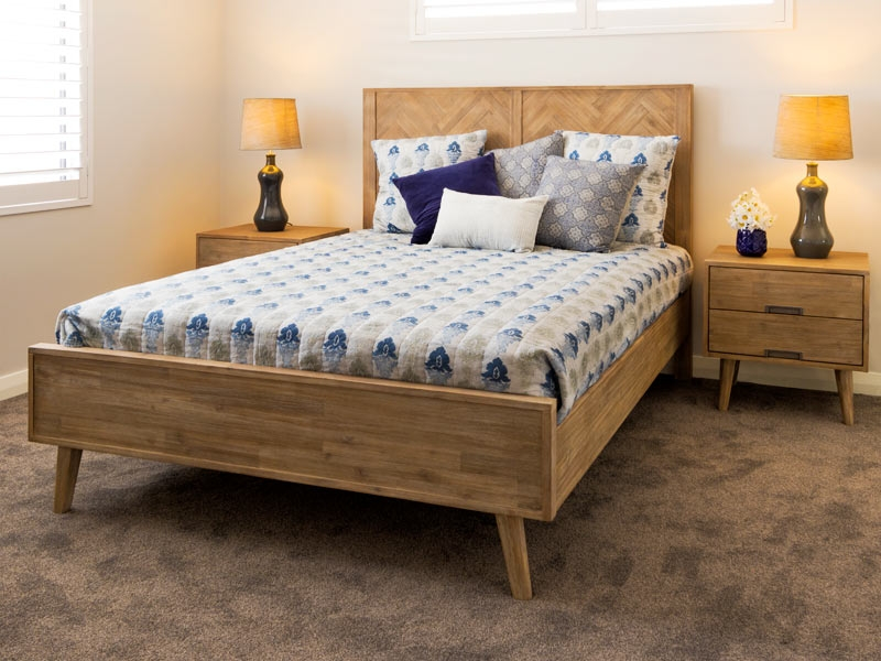 Azzura Queen bed